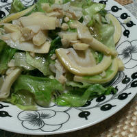 新筍とレタスのペペロンチーノ(レシピ)