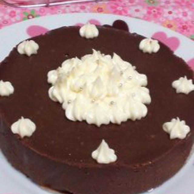 材料2つで簡単☆ホールde生チョコケーキのレシピ☆