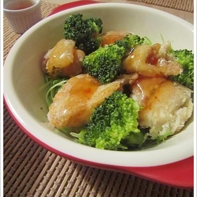 鶏から揚げとチリソースの相性はバツグン☆温野菜と一緒に鶏メニュー。晩酌おかずにもGood!