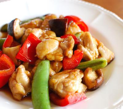 『簡単酢豚風!鶏肉と野菜の黒酢炒め』