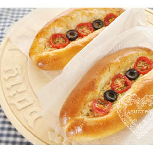 * Pasco「おうちパン工房」〜トマトとオリーブのツナパン〜