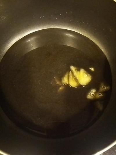 キクラゲと黒豆の煮汁のパスタ