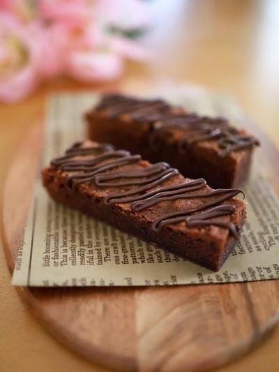 濃厚、簡単、泡立て不要!「ガトーショコラブラウニー」☆バレンタインのチョコレートケーキ、おやつにも♪(写真&イラストレシピつき)