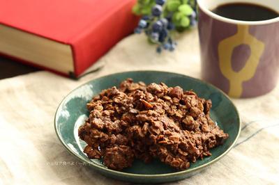 ザクザク食感のココアとアーモンドのオートミールクッキーの簡単レシピ☆食物繊維不足の方におすすめおやつ!