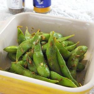 夏に食べたい!「枝豆×カレー」のビールおつまみ