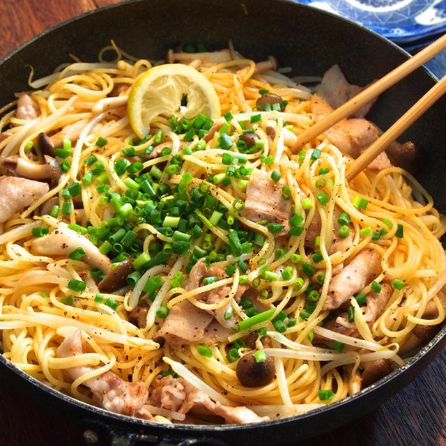 スパゲティは焼きそば風にしてもウマ死!「男の塩焼きそば風スパゲティ」