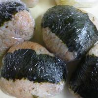 鶏肉と生姜と紫蘇で!簡単炊き込みご飯おにぎり弁当★