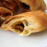 パリポリ・きゅうりのキューちゃんとチーズの春巻。