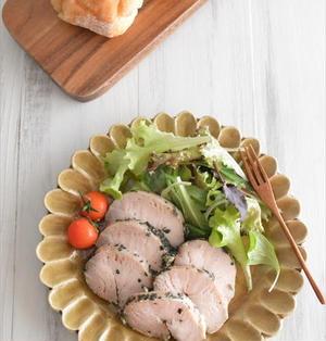鶏胸肉で しっとりサラダチキン風♪~バジル風味~