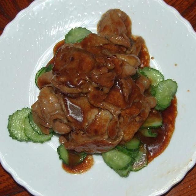 キュウリと豚肉のオイスター炒め&ベビー帆立とワカメの煮もの