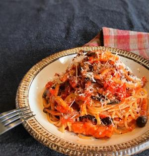 【簡単!】きのことベーコンのトマトパスタ