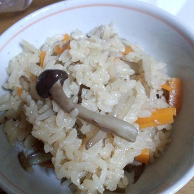 牛蒡とキノコの炊き込みご飯