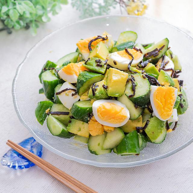 アボカドきゅうりゆで卵の塩昆布レモンサラダ(*゚▽゚*)♪