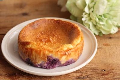 簡単♪ブルーベリーのベイクドチーズケーキ