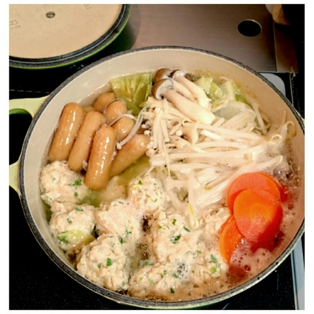 豆腐入り鶏団子鍋