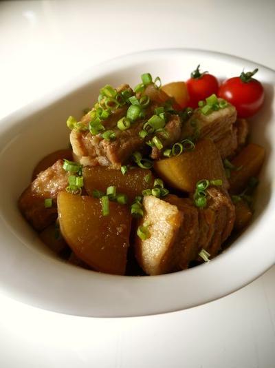 【動画レシピ有り】豚バラブロック肉と大根のうま煮♪