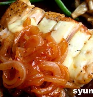【簡単カフェごはん】鶏のチーズ焼き*めんつゆケチャップ玉ねぎソース