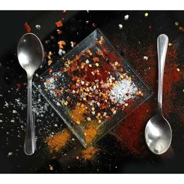 カレーがしょっぱい原因と解決法!塩辛い時の対処、改善する食材まとめ