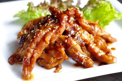 鶏せせりのサムジャン韓国味噌ダレ炒め