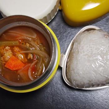 8月28日☆今日のお弁当は、おにぎりとスープ弁当