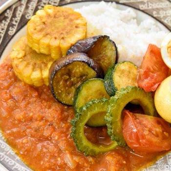 メシ通連載公開のお知らせ トッピングで楽しむ夏野菜のスパイスカレー アンダ・ブテコ