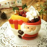 小さな陶器でクリスマス気分のチーズスフレ