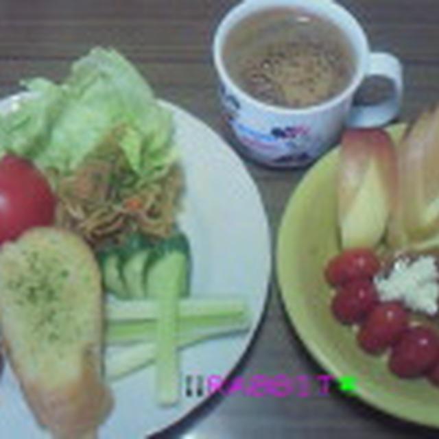 Good-morning ラビっ子の焼きそば&フルーツ盛りもりプリンアラモード~&野菜盛り~じゃ