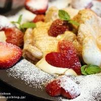 ハート苺のシナモン香るふわしゅわパンケーキ。(ハート苺の切り方付き)