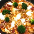 鶏肉とモッツァレラチーズのトマト煮込み