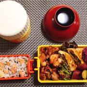 鶏の生姜焼き・納豆とシソとチーズの春巻き巻弁当