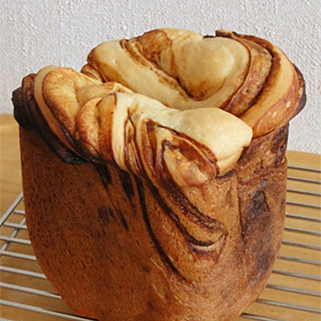 GOPANの白神こだま酵母味噌マーブル食パン