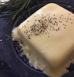 twitterで話題の「チーズ豆腐」作ってみました。