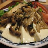 たっぷりきのこマリネの豆腐サラダ