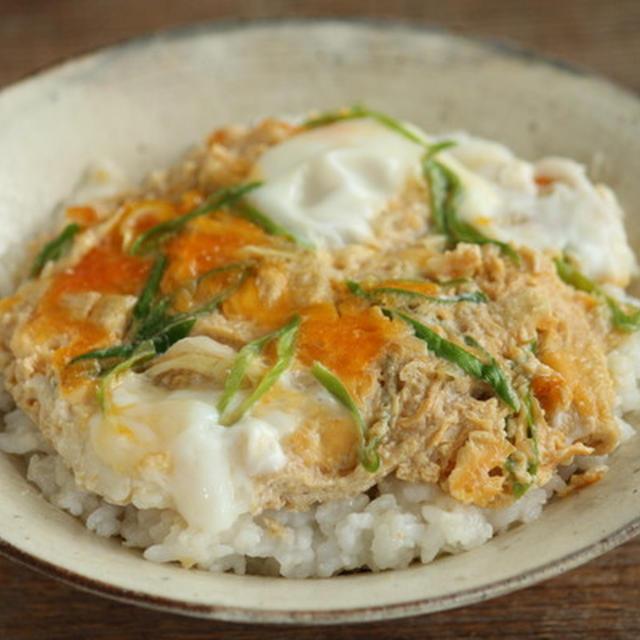 麺つゆで簡単・油揚げの卵とじ丼ぶり