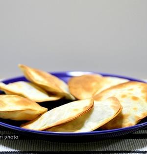 トースターで簡単「餃子の皮でベーコンチーズ焼き」&「まさに楽しくもありハードな飲み歩き」3
