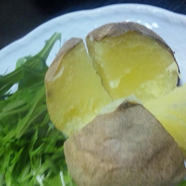 焼きじゃが芋(とうや) と           ポークステーキ (キッチン ラボ)