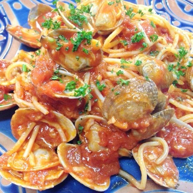 シェフ直伝トマトソースの ボンゴレロッソ