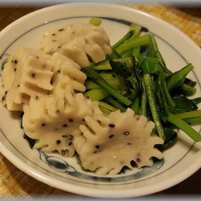 シンプルでヘルシーな「ごま生麩と小松菜の煮物」