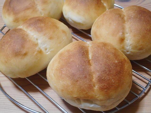 ほんのり甘い手作りパン!人気の「ミルクパン」を作ろうの画像