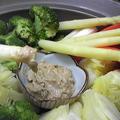 土鍋蒸し野菜とピーナッツ胡麻だれ