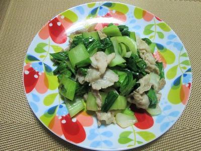 スパイスひと振りで本格的!青梗菜と豚バラの花椒炒め