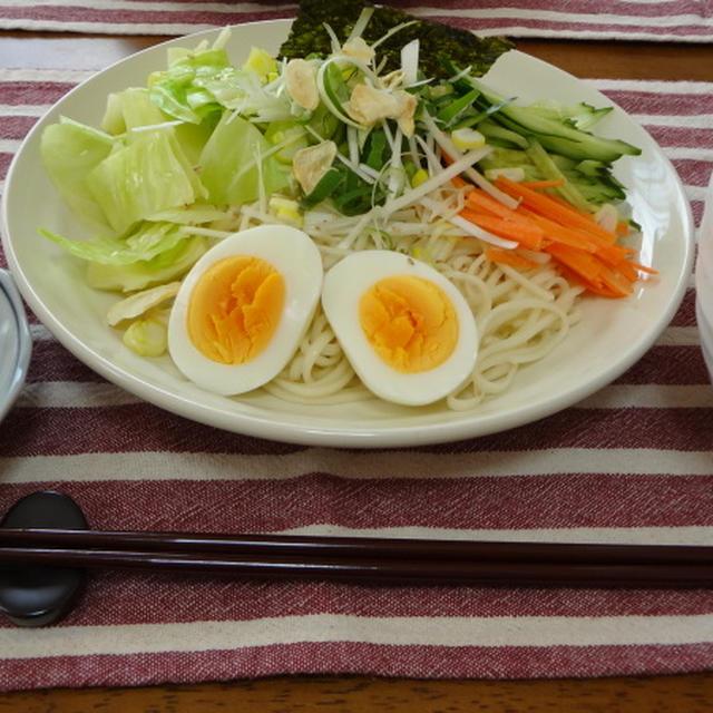 ピリ辛~!広島風、つけ麺。