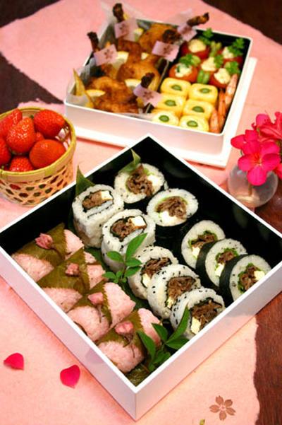 桜おにぎりと肉海苔巻きのピクニック弁当☆むさしの村!!