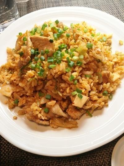 【炒飯4皿目】美味しい豚キムチチャーハンを作る3つのコツはこれです!