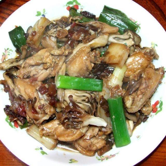 舞茸と手羽のラー油煮込み&大根とネギのお好み焼き