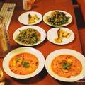 「レタスに良くあうサラダたれ」で♪山盛りミックスリーフのサラダと、ささみとパプリカのイエローカレー、真鱈のムニエルの胡麻ソースがけで、お野菜とお魚のヘルシー晩ごはんに、シナモンのジェラートと温かい紅玉のスパイス煮のスイーツ