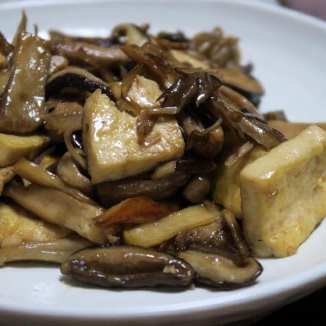 簡単にできて美味しい!『キノコともめん豆腐のオイスターソース炒め』