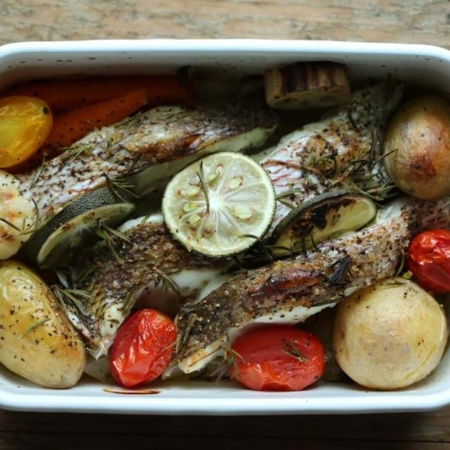 野田琺瑯で鯛と野菜のオーブン焼き