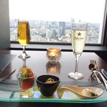 新宿の夜景を眺めながら素敵なディナーを堪能♡