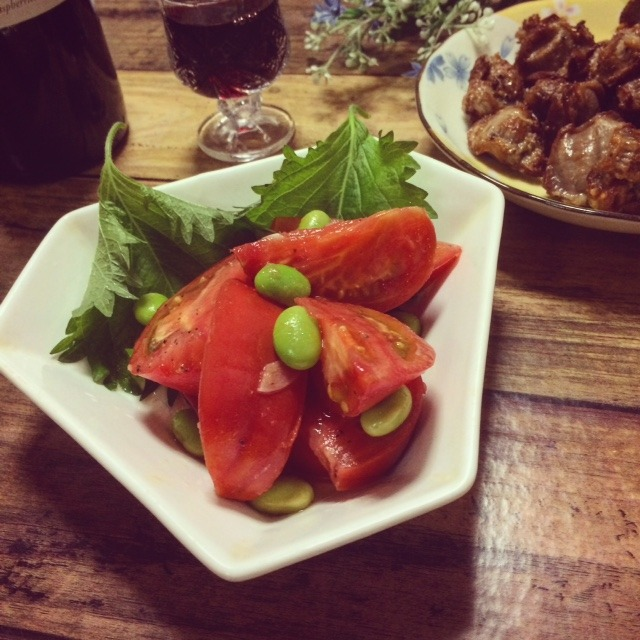 副菜に☆トマトと枝豆のにんにくごま油炒め